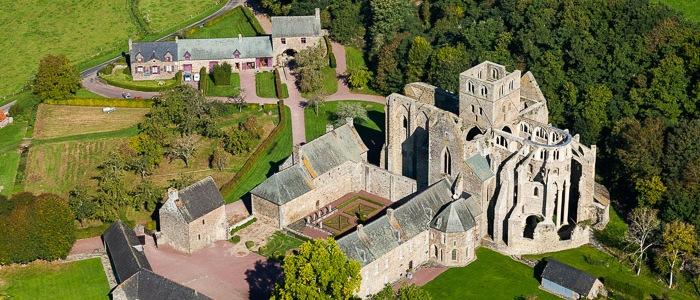 L'Abbaye d'Hambye L'Abbaye d'Hambye